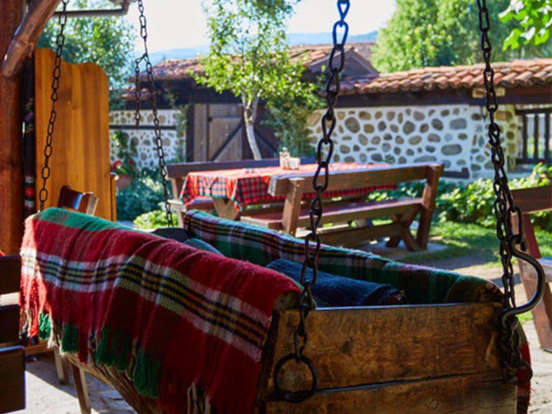 Нощувка на човек със закуска + минерален басейн и релакс пакет в Македонска кръчма хотел и механа, Добринище, снимка 18