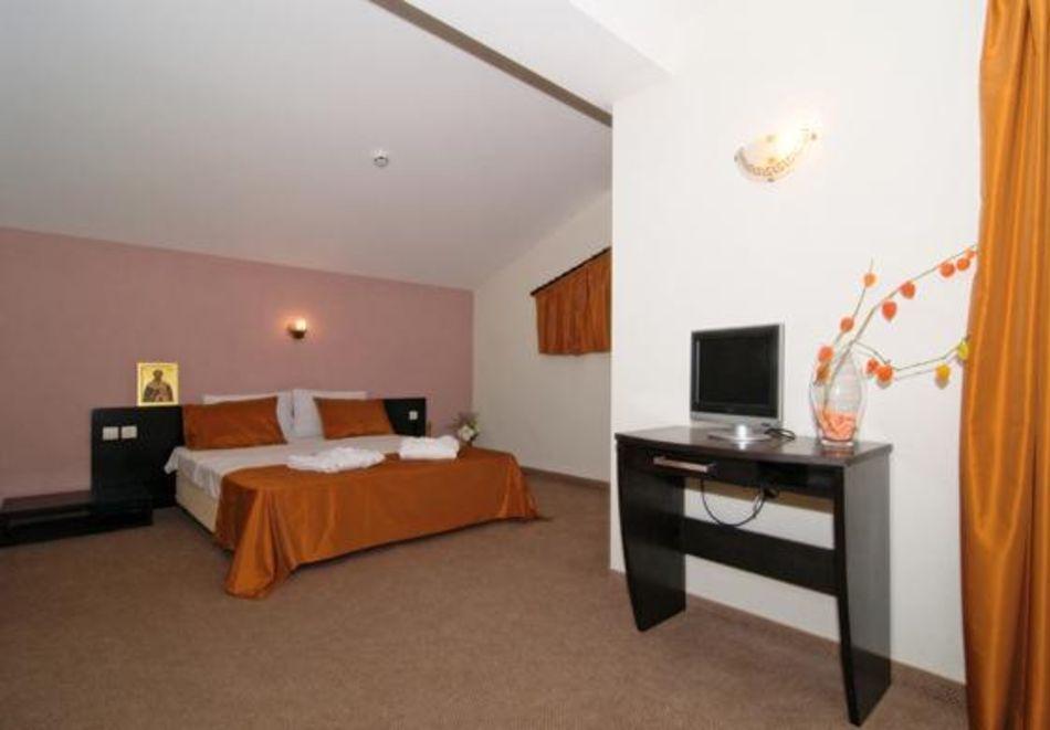 Хоум офис в хотел Планината, Рибарица! 15 нощувки на човек + басейн и релакс зона, снимка 7