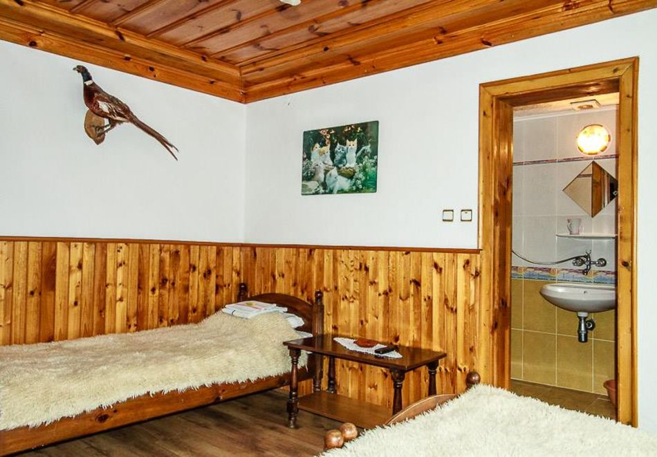 Нощувка на човек в семеен хотел Рай, Копривщица, снимка 7