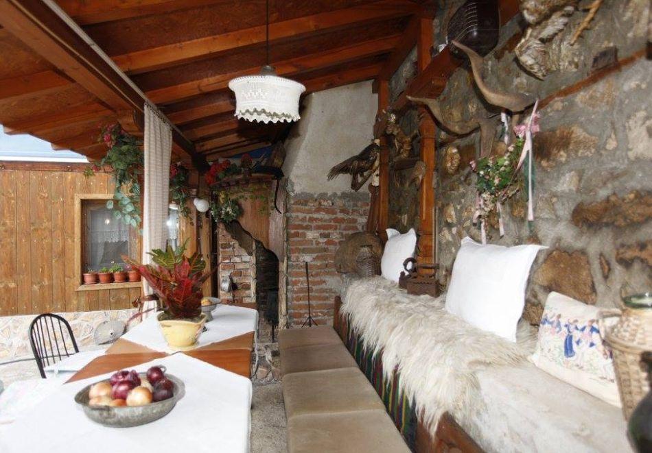 Нощувка на човек в семеен хотел Рай, Копривщица, снимка 20