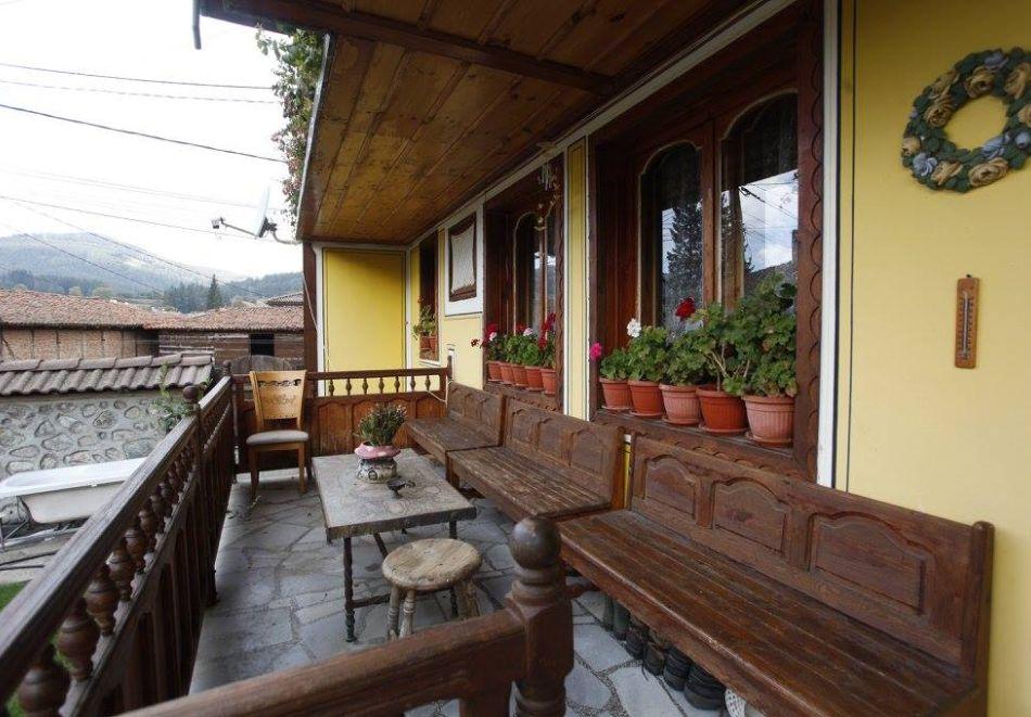 Нощувка на човек в семеен хотел Рай, Копривщица, снимка 19