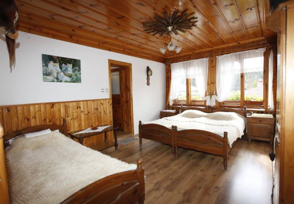 Нощувка на човек в семеен хотел Рай, Копривщица, снимка 14