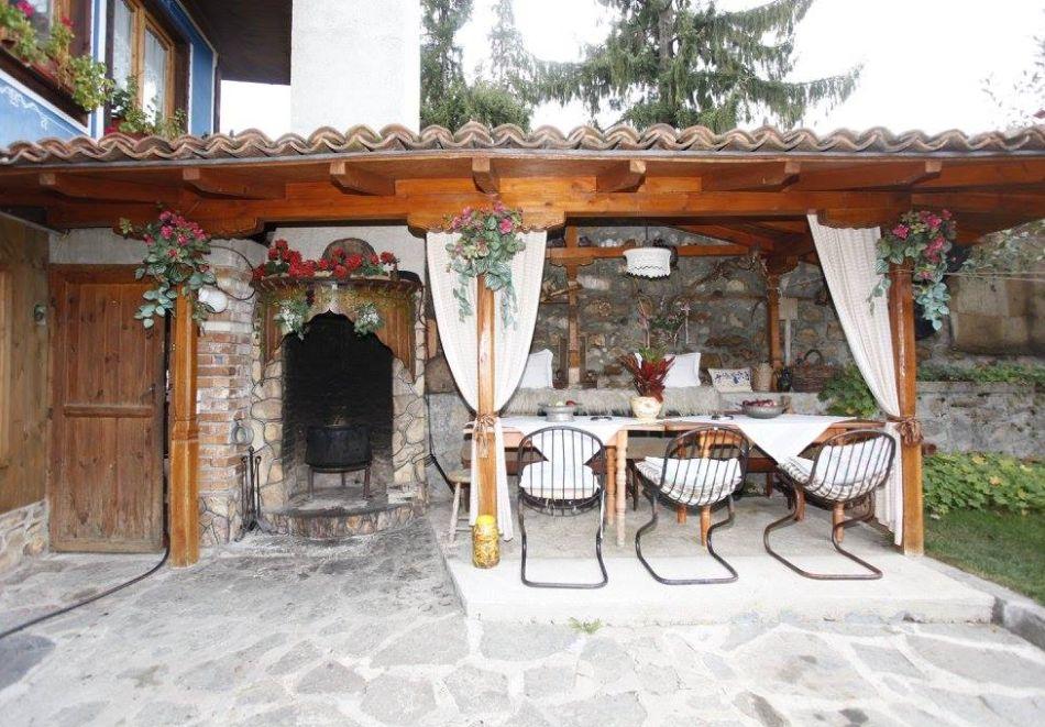 Нощувка на човек в семеен хотел Рай, Копривщица, снимка 15