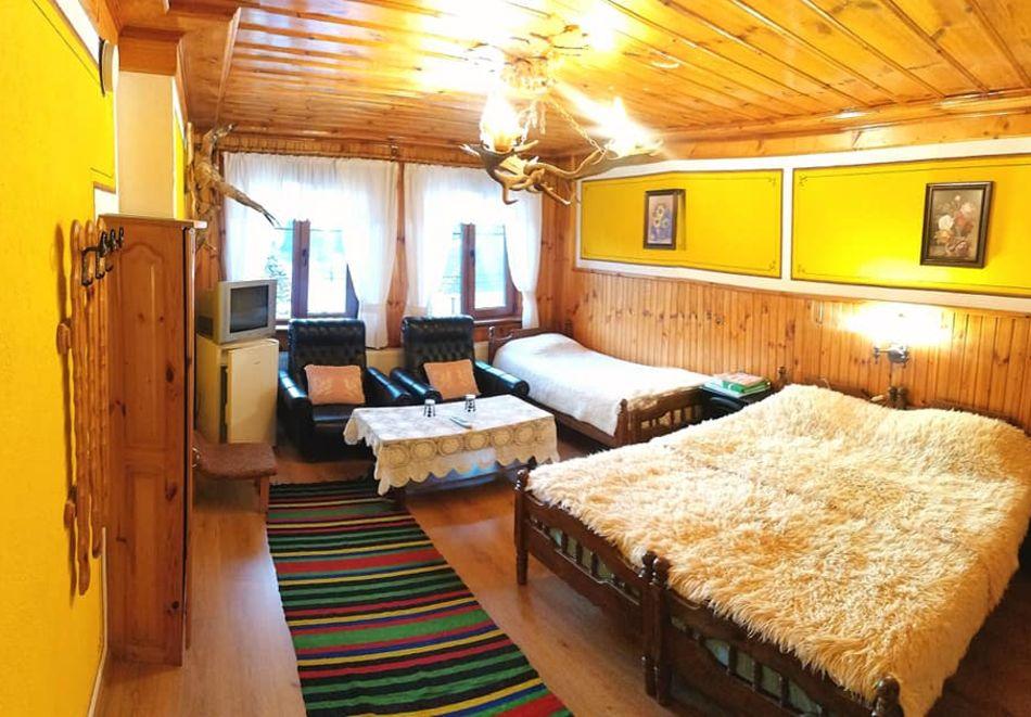 Нощувка на човек в семеен хотел Рай, Копривщица, снимка 11