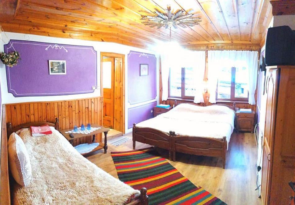 Нощувка на човек в семеен хотел Рай, Копривщица, снимка 8