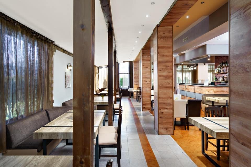 Нощувка на човек със закуска и вечеря + минерален басейн и релакс пакет в хотел Вита Спрингс, с. Баня до Банско, снимка 17
