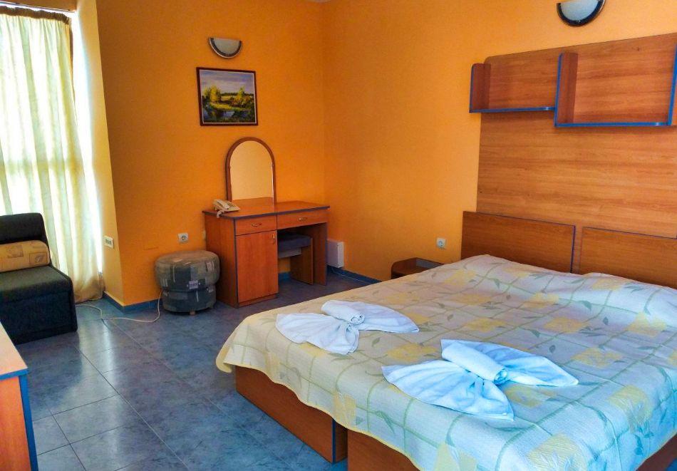 Нощувка за двама в апартаменти Перла, Несебър. 2 деца - БЕЗПЛАТНО!, снимка 4