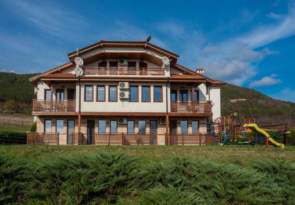 Къща за гости Рая, с. Кормянско, край Севлиево