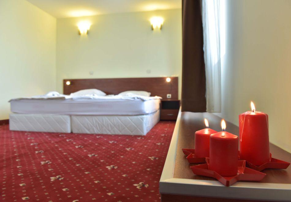 Семеен хотел Божур, Банско, снимка 9
