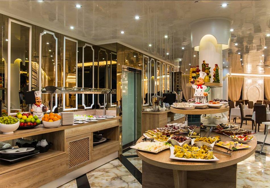 Нощувка на човек със закуска и вечеря + минерален басейнa и СПА в Балнеохотел Дианамар****, Павел Баня, снимка 13