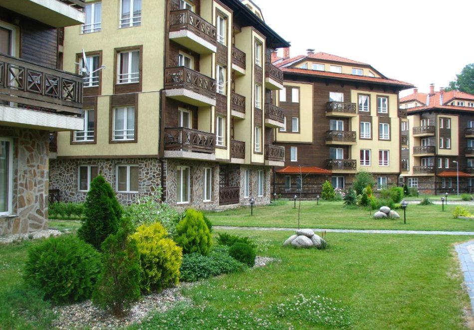 Нощувка на човек + басейн и релакс зона в апарт хотел Божурленд, Банско, снимка 4