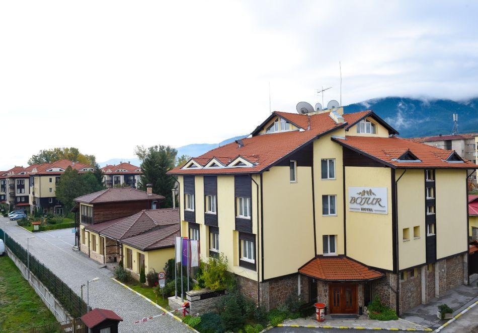 Нощувка на човек + басейн и релакс зона в апарт хотел Божурленд, Банско, снимка 2