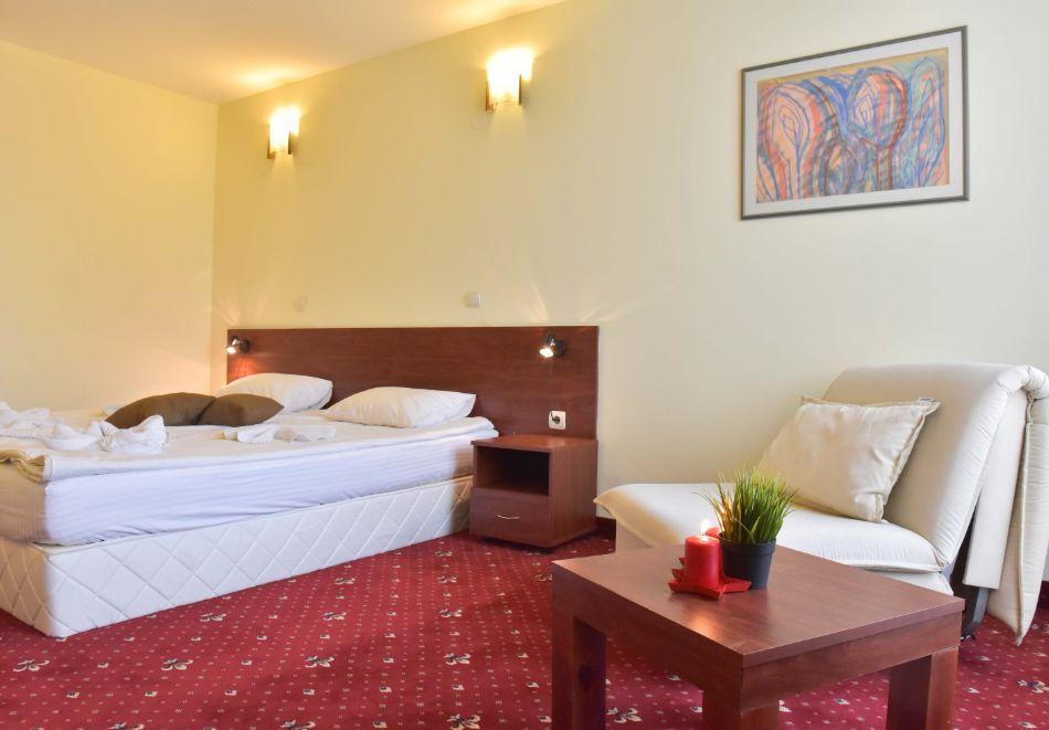 Нощувка на човек + басейн и релакс зона в апарт хотел Божурленд, Банско, снимка 14