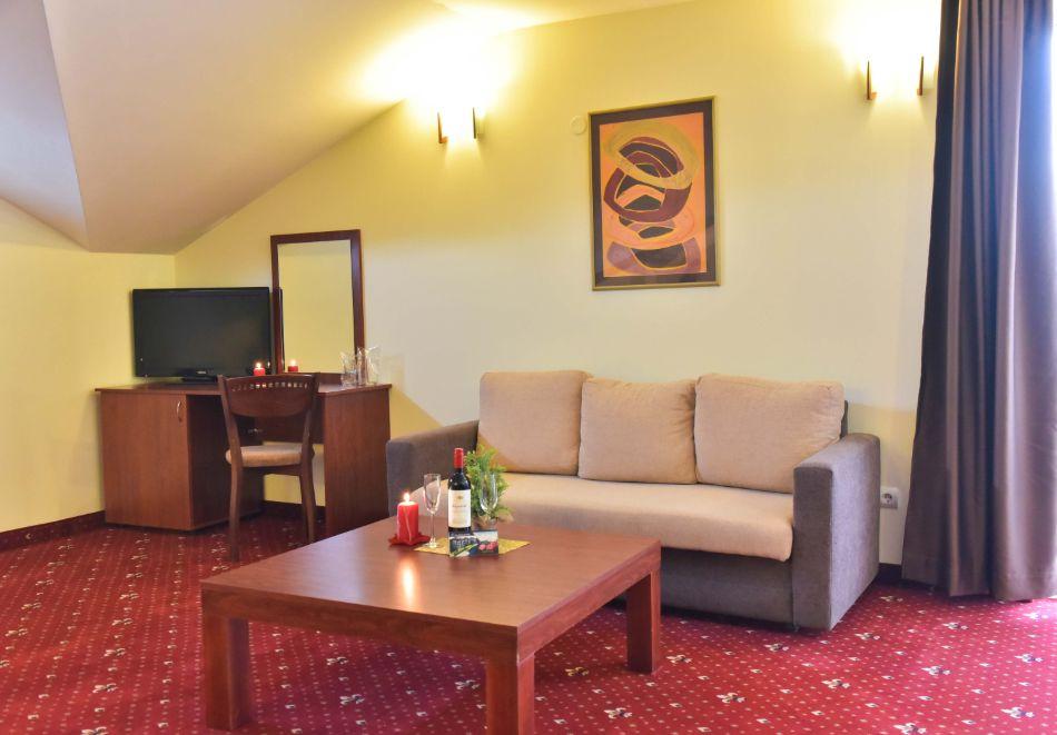 Нощувка на човек + басейн и релакс зона в апарт хотел Божурленд, Банско, снимка 15