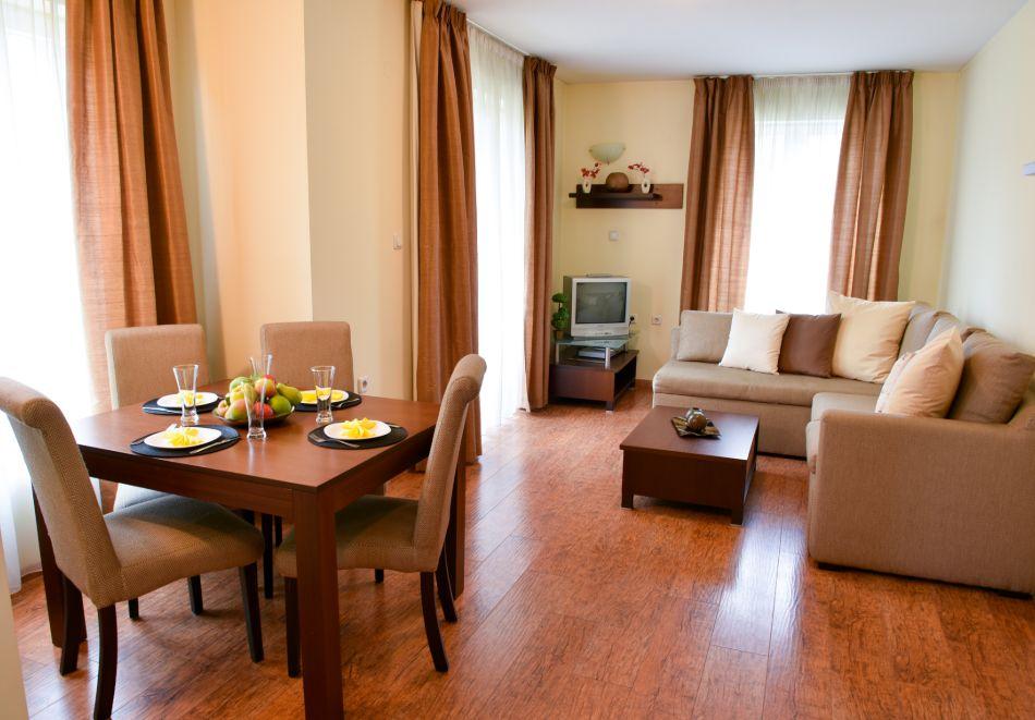 Нощувка на човек + басейн и релакс зона в апарт хотел Божурленд, Банско, снимка 17