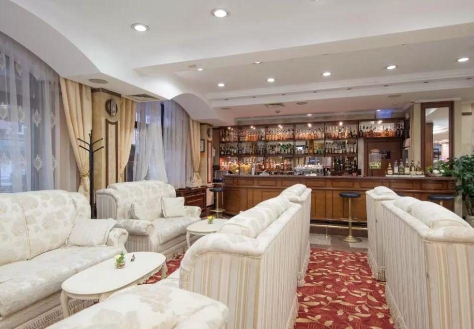 Нова Година в София! Нощувка за на човек със закуска и празнична вечеря в хотел Даунтаун****, снимка 5