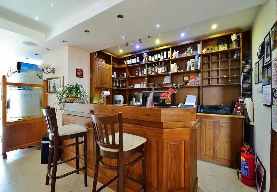3, 5 или 7 нощувки на човек със закуски + сауна в семеен хотел Кралев двор***, Банско, снимка 10
