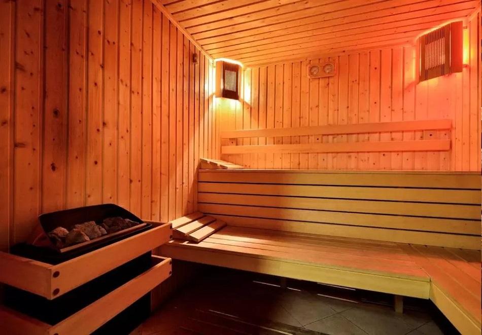 3, 5 или 7 нощувки на човек със закуски + сауна в семеен хотел Кралев двор***, Банско, снимка 2