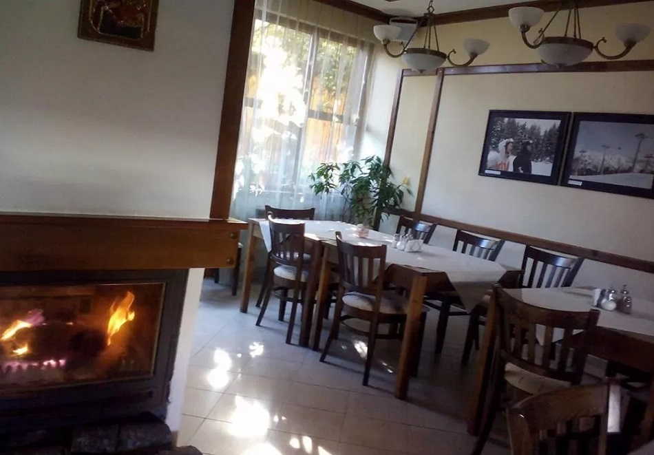 3, 5 или 7 нощувки на човек със закуски + сауна в семеен хотел Кралев двор***, Банско, снимка 9
