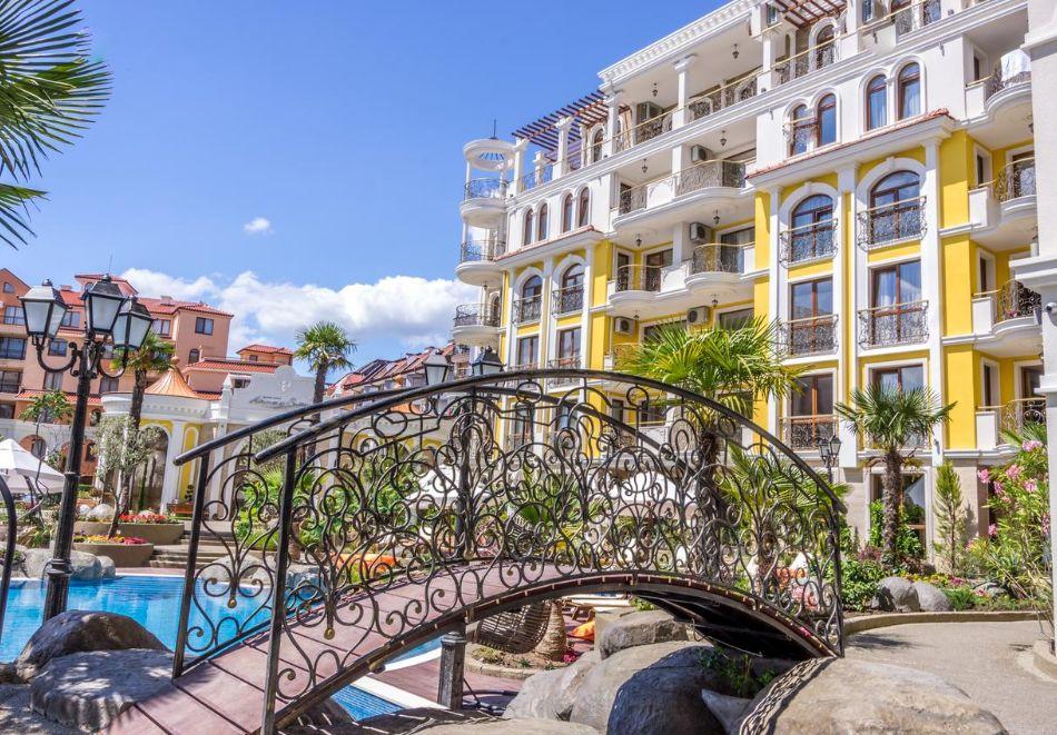 Нощувка на човек + басейн и релакс зона в хотел Хармони Суитс Монте Карло, Слънчеб бряг, снимка 19