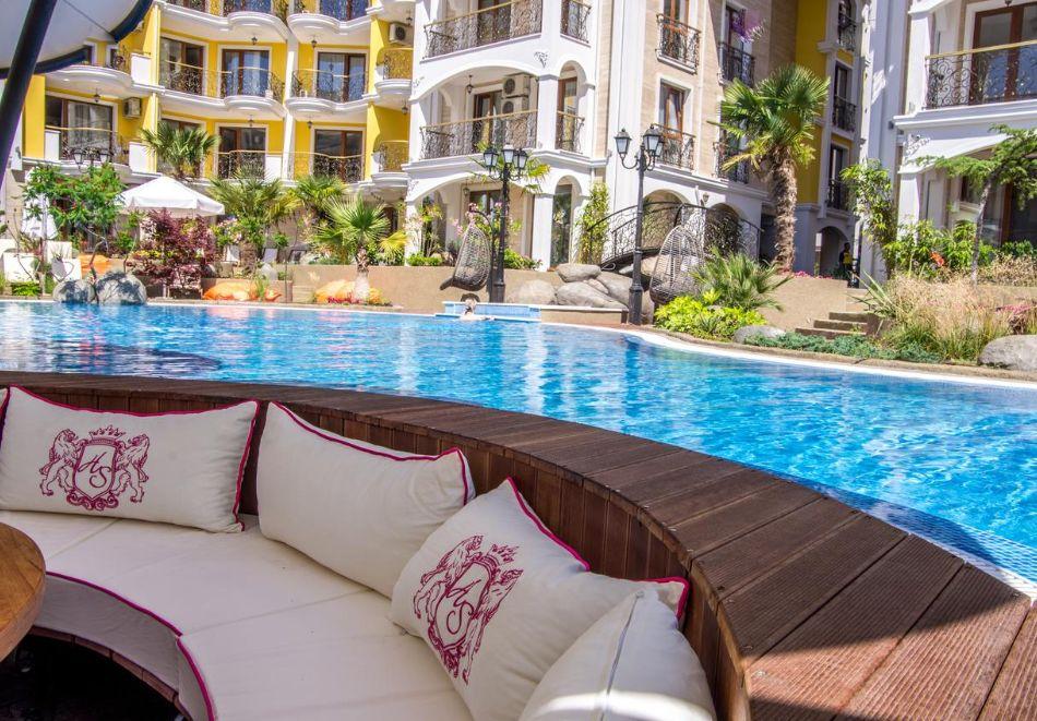 Нощувка на човек + басейн и релакс зона в хотел Хармони Суитс Монте Карло, Слънчеб бряг, снимка 20