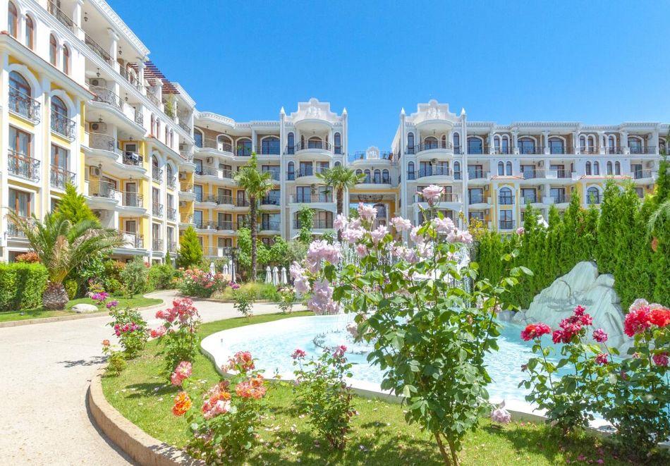 Нощувка на човек + басейн и релакс зона в хотел Хармони Суитс Монте Карло, Слънчеб бряг, снимка 4