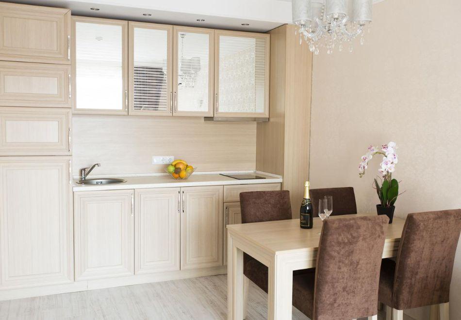 Нощувка в апартамент за двама с две деца или трима в хотел Хармони Суитс Дрийм Айлънд, Слънчев бряг, снимка 5