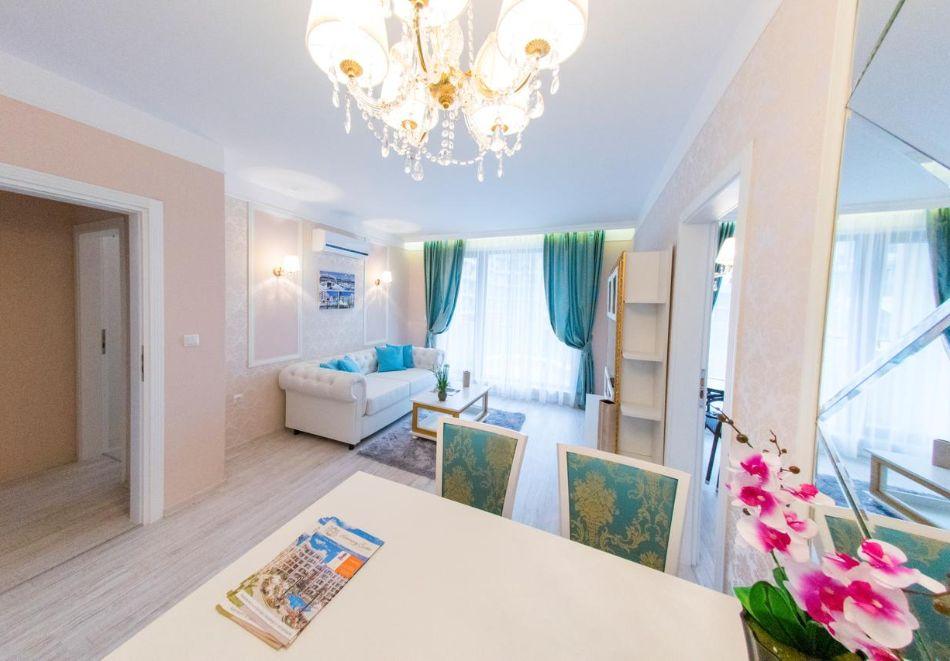 Нощувка в апартамент за двама с две деца или трима в хотел Хармони Суитс 10, Свети Влас, снимка 11