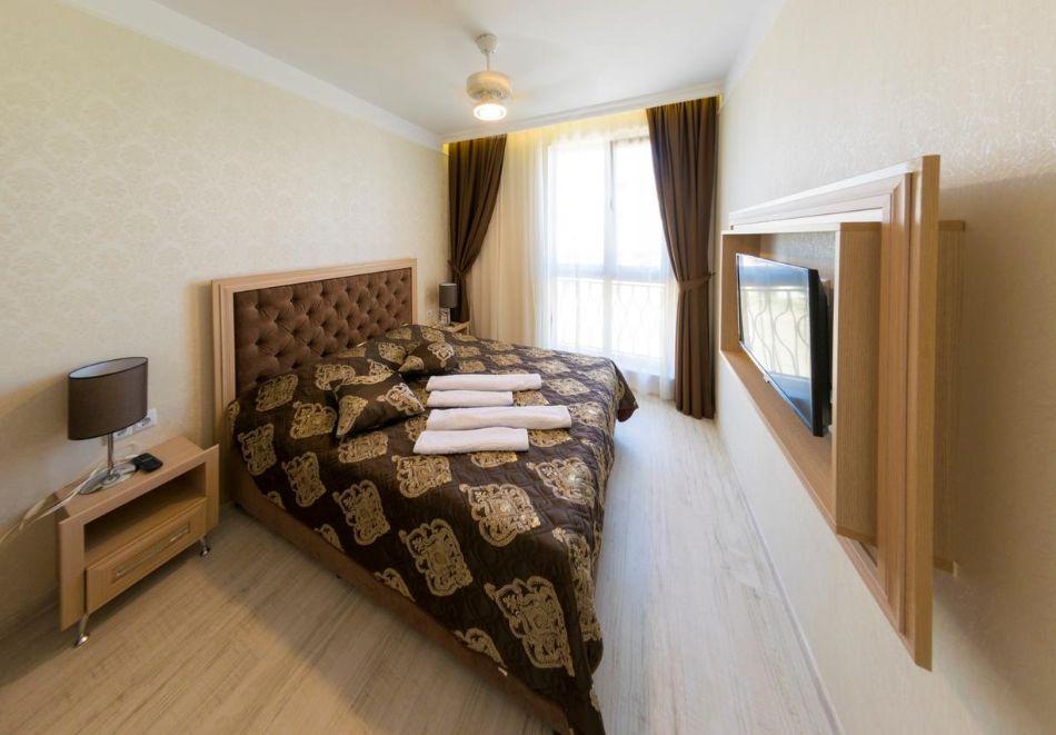 Нощувка в апартамент за двама с две деца или трима в хотел Хармони Суитс 10, Свети Влас, снимка 6