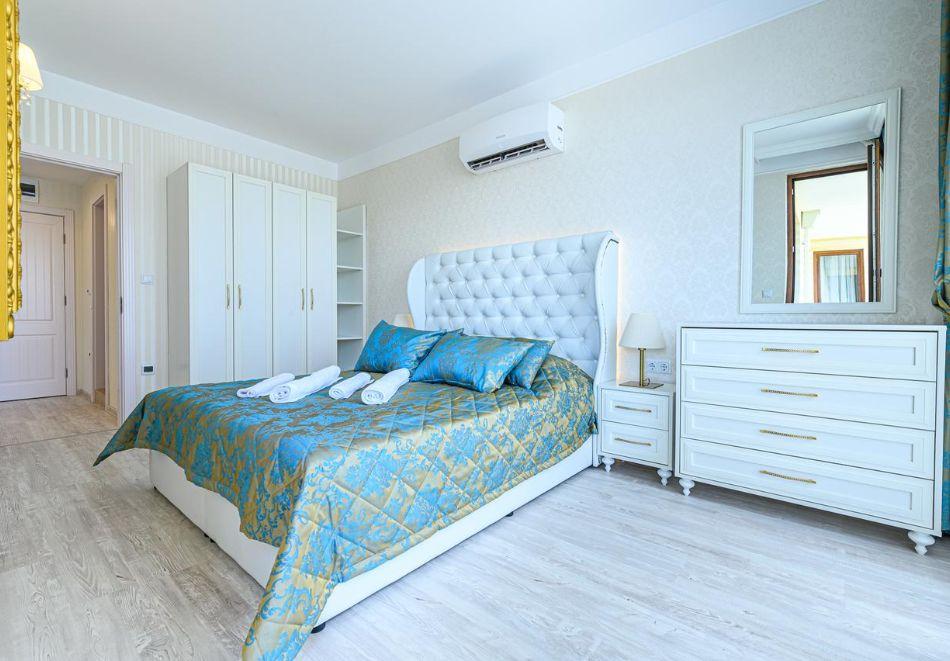 Нощувка в апартамент за двама с две деца или трима в хотел Хармони Суитс 10, Свети Влас, снимка 9