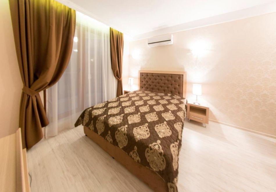 Нощувка в апартамент за двама с две деца или трима в хотел Хармони Суитс 10, Свети Влас, снимка 5