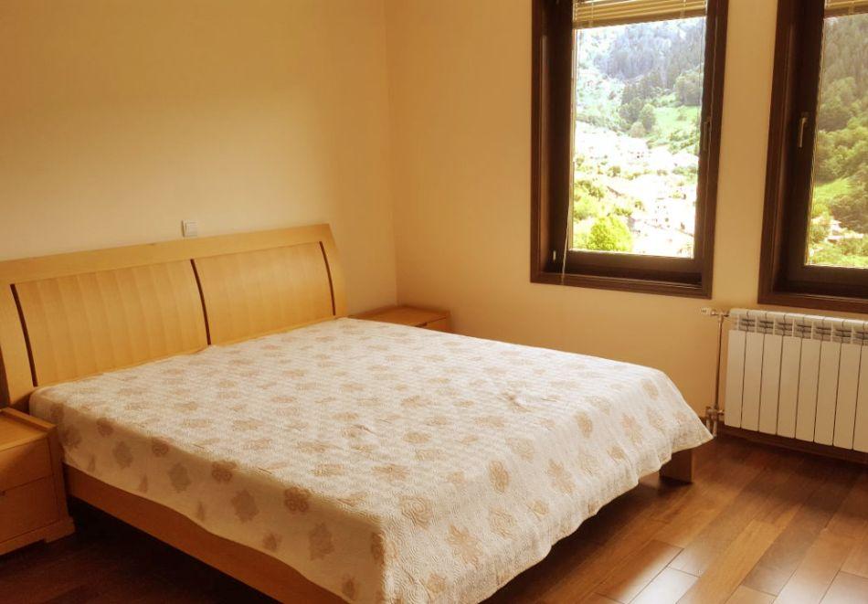 Почивка край Пампорово! 3 нощувка в самостоятелна къща с капацитет 10 човека + барбекю от Родопски Изгреви, с. Момчиловци, снимка 9