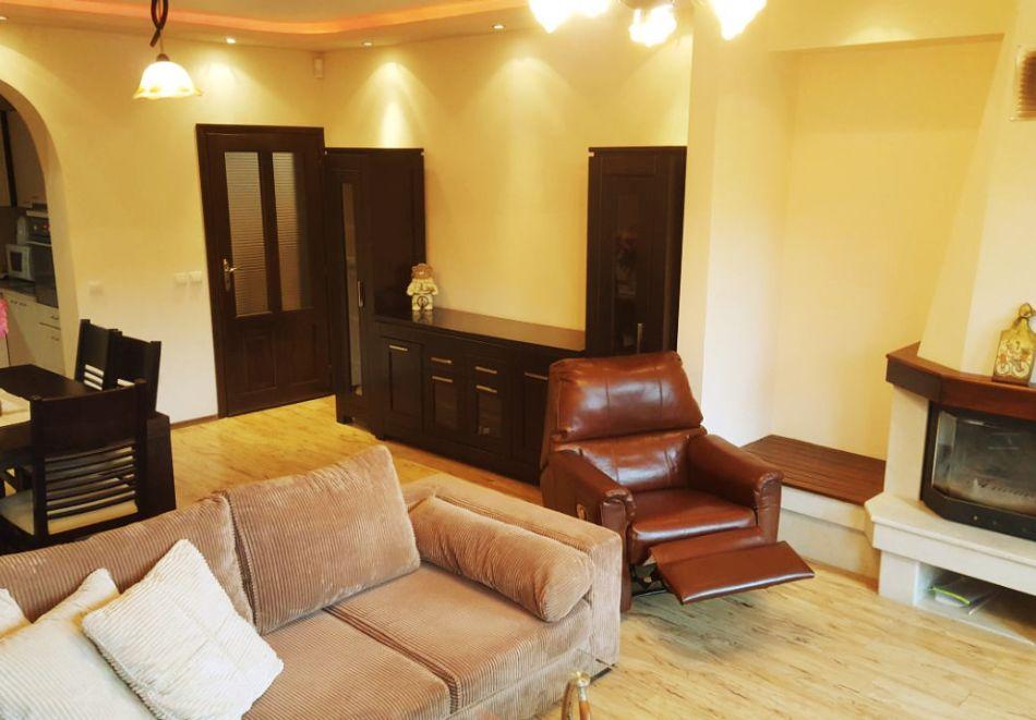 Почивка край Пампорово! 3 нощувка в самостоятелна къща с капацитет 10 човека + барбекю от Родопски Изгреви, с. Момчиловци, снимка 6