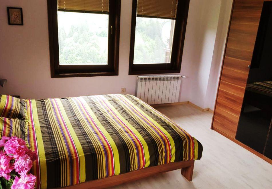 Почивка край Пампорово! 3 нощувка в самостоятелна къща с капацитет 10 човека + барбекю от Родопски Изгреви, с. Момчиловци, снимка 8