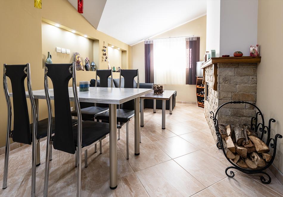 Нощувка за четирима от апартаменти за Гости Ковачева, Банско, снимка 11