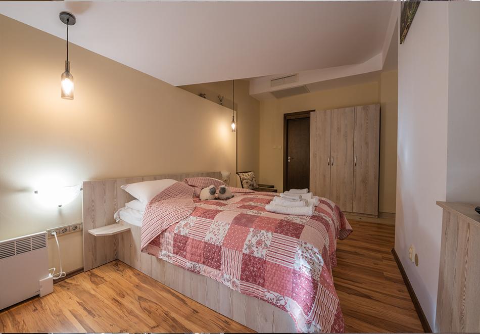 Нощувка за четирима от апартаменти за Гости Ковачева, Банско, снимка 4