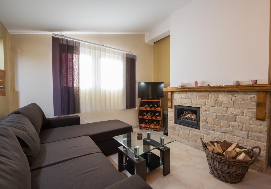 Нощувка за четирима от апартаменти за Гости Ковачева, Банско, снимка 6