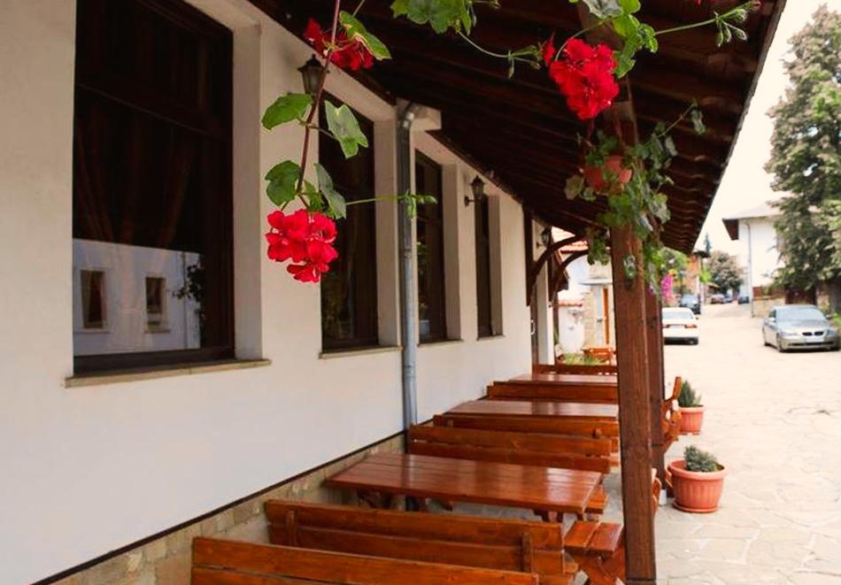 2 или 3 нощувки на човек със закуски и вечери от Стаи за гости Антик**, Дряново, снимка 5