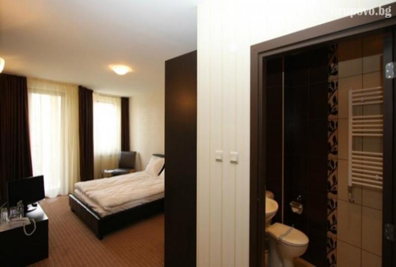 Нощувка за двама, трима или четирима в хотел Айсберг, Боровец, снимка 11