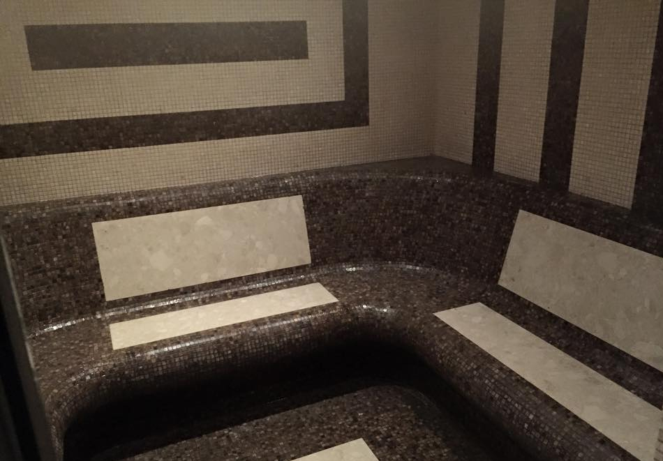 Нощувка на човек със закуска и вечеря + 3 минерални басейна и релакс зона от хотел Делта, Огняново, снимка 9