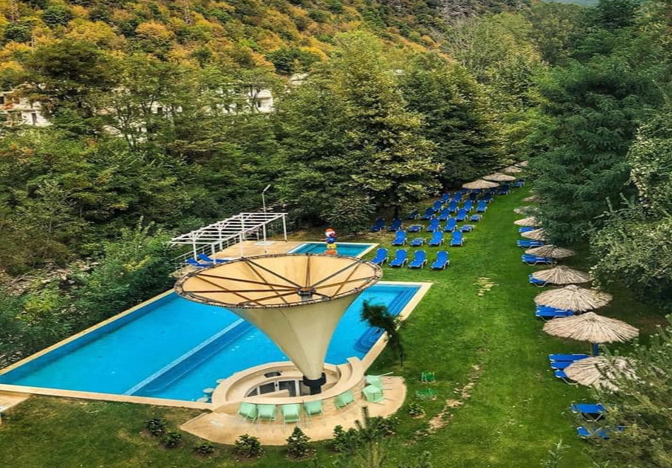 Нощувка на човек със закуска и вечеря + 3 минерални басейна и релакс зона от хотел Делта, Огняново, снимка 5