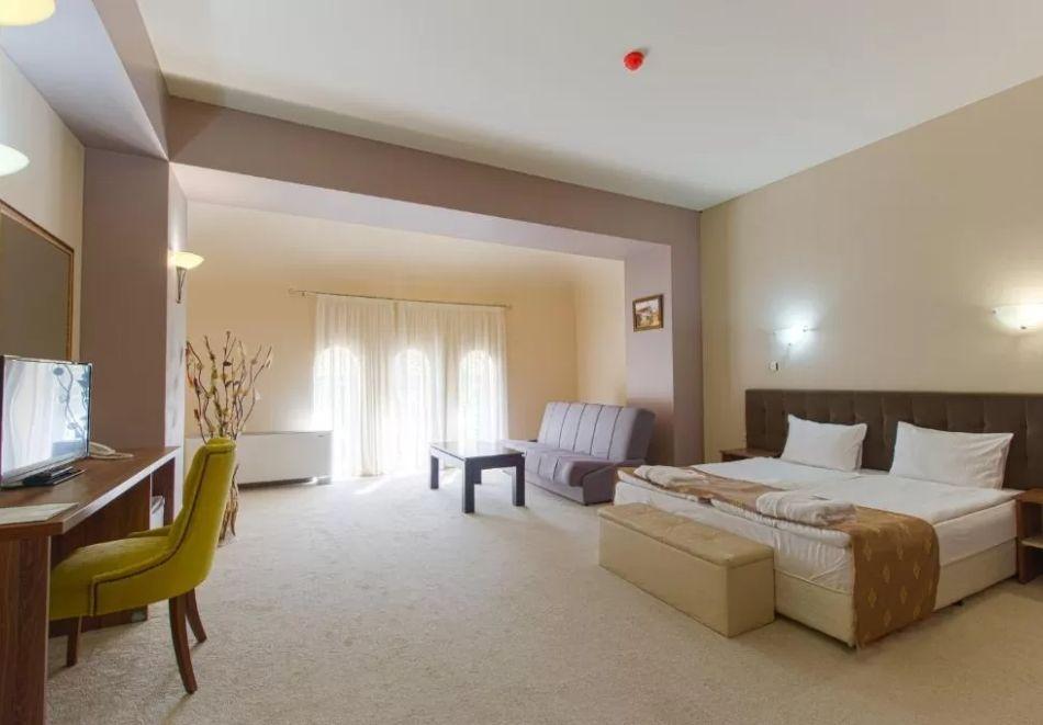 Почивка в Благоевград! Нощувка на човек със закуска и вечеря + минерален басейн и релакс пакет от хотел Монте Кристо, снимка 15