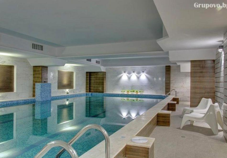 Почивка в Благоевград! Нощувка на човек със закуска и вечеря + минерален басейн и релакс пакет от хотел Монте Кристо, снимка 5