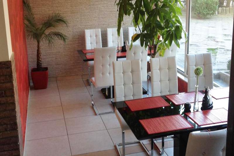 Нощувка на човек със закуска и вечеря в хотел Елена, Велико Търново, снимка 11