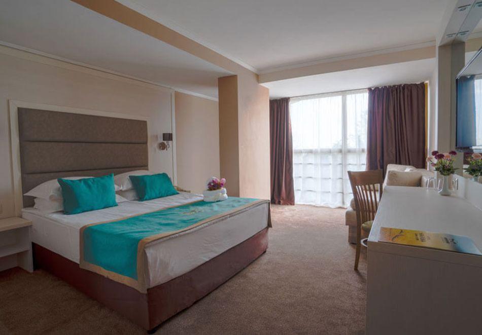 Нощувка на човек на база All Inclusive + басейн в Хавана Казино хотел & Спа****, Златни пясъци, снимка 9
