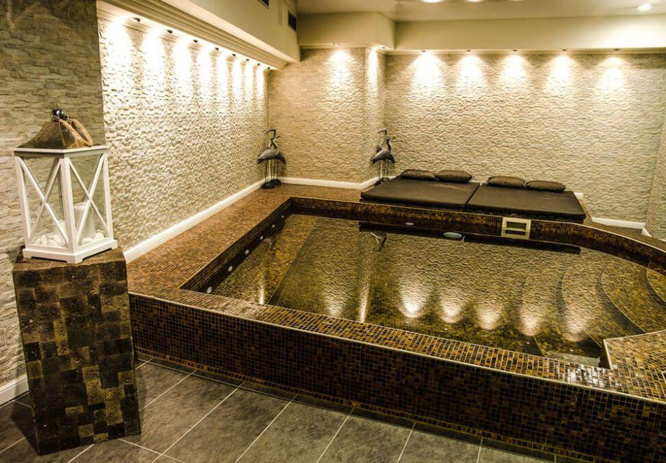 Нощувка на човек на база All Inclusive + басейн в Хавана Казино хотел & Спа****, Златни пясъци, снимка 7