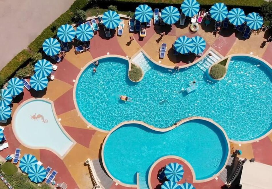 Нощувка на човек на база All Inclusive + басейн в Хавана Казино хотел & Спа****, Златни пясъци, снимка 3