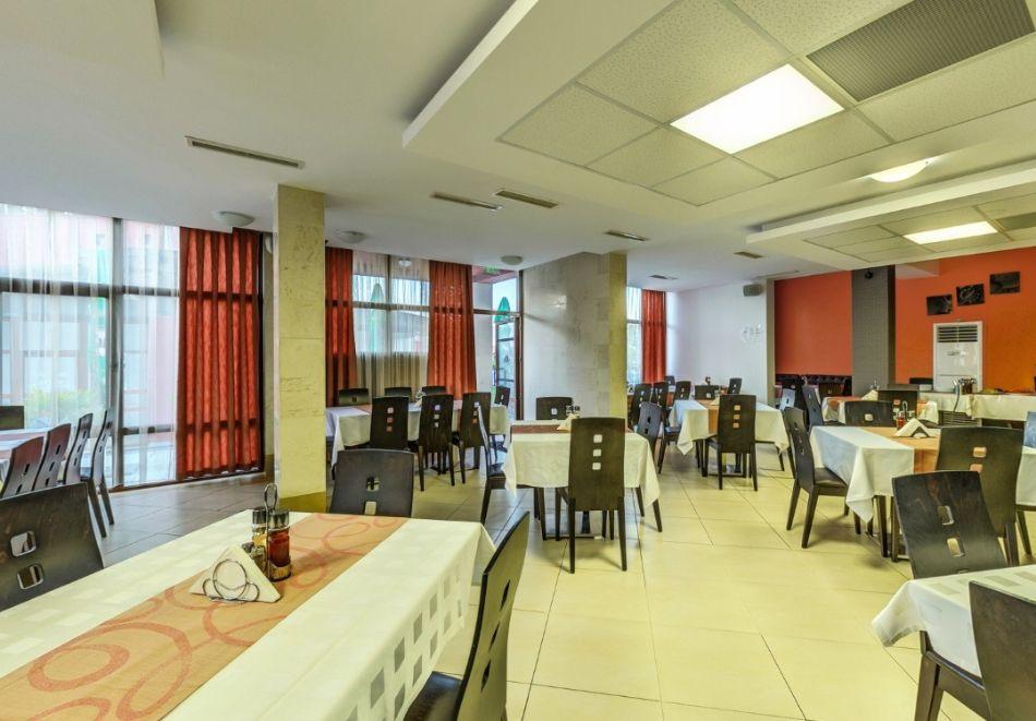 Май и юни в Огняново! 1, 2, 3 или 4 нощувки на човек със закуски и вечери + 2 минерални басейна и релакс зона от хотел Елеганс СПА***, снимка 17