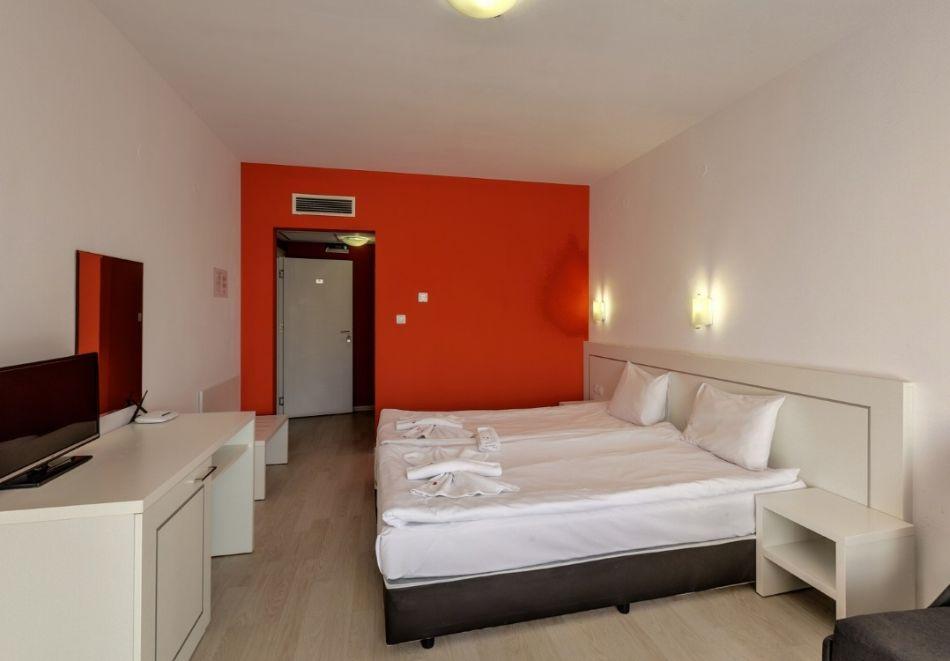 Май и юни в Огняново! 1, 2, 3 или 4 нощувки на човек със закуски и вечери + 2 минерални басейна и релакс зона от хотел Елеганс СПА***, снимка 13