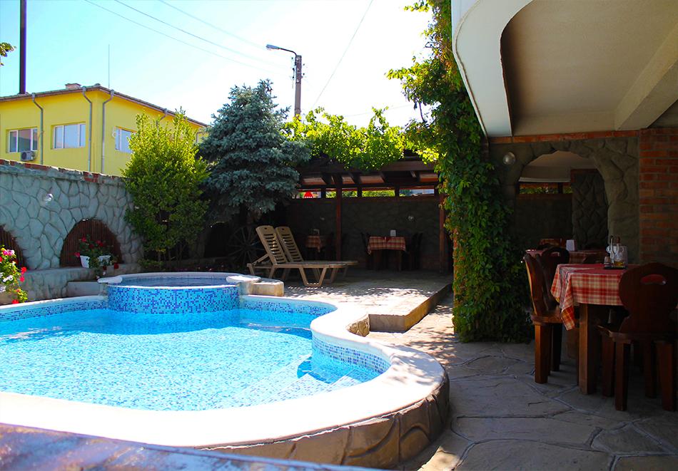 Семеен Хотел М2, Приморско
